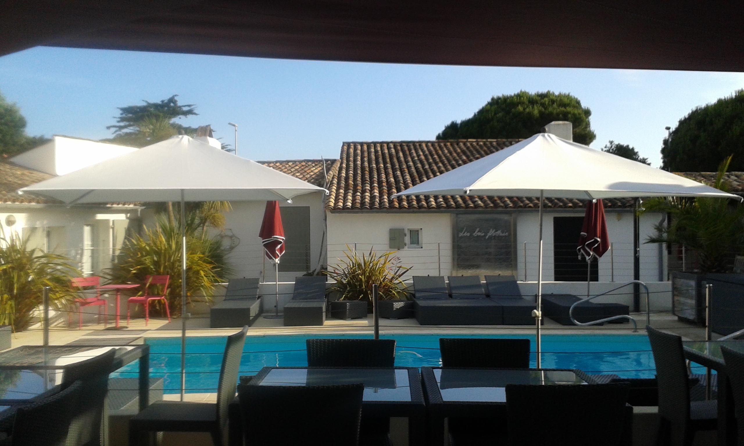 HOTEL LES BOIS FLOTTAIS # Hotel Les Bois Flottais